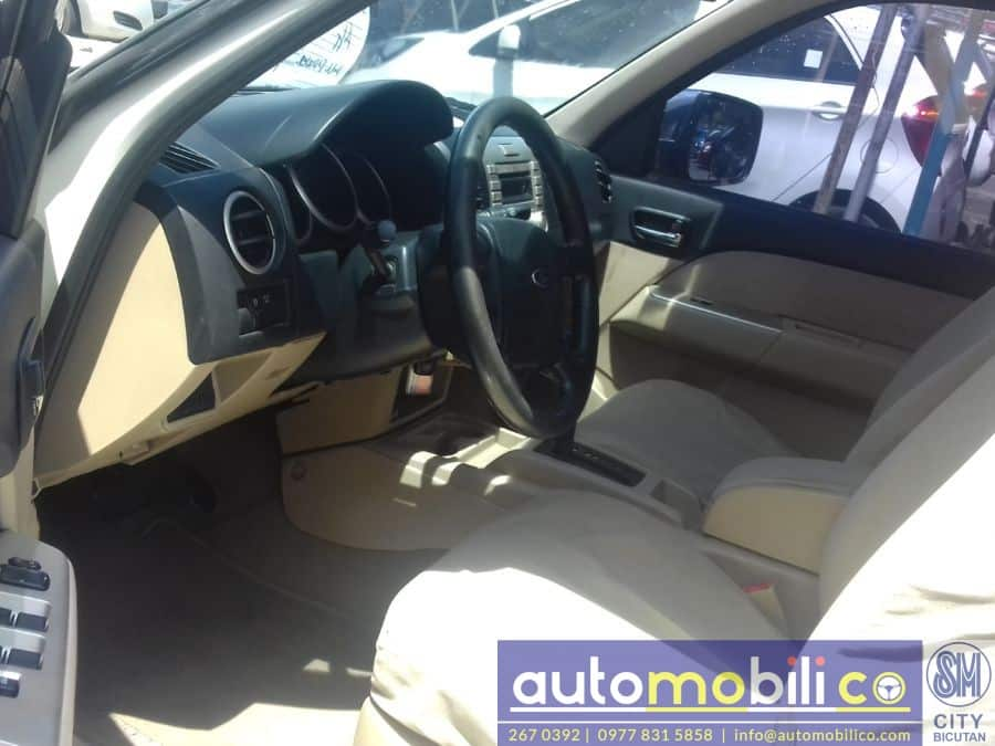 2007 Ford Everest - Interior Front View