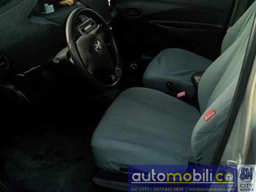 2010 Toyota Vios - Interior Front View