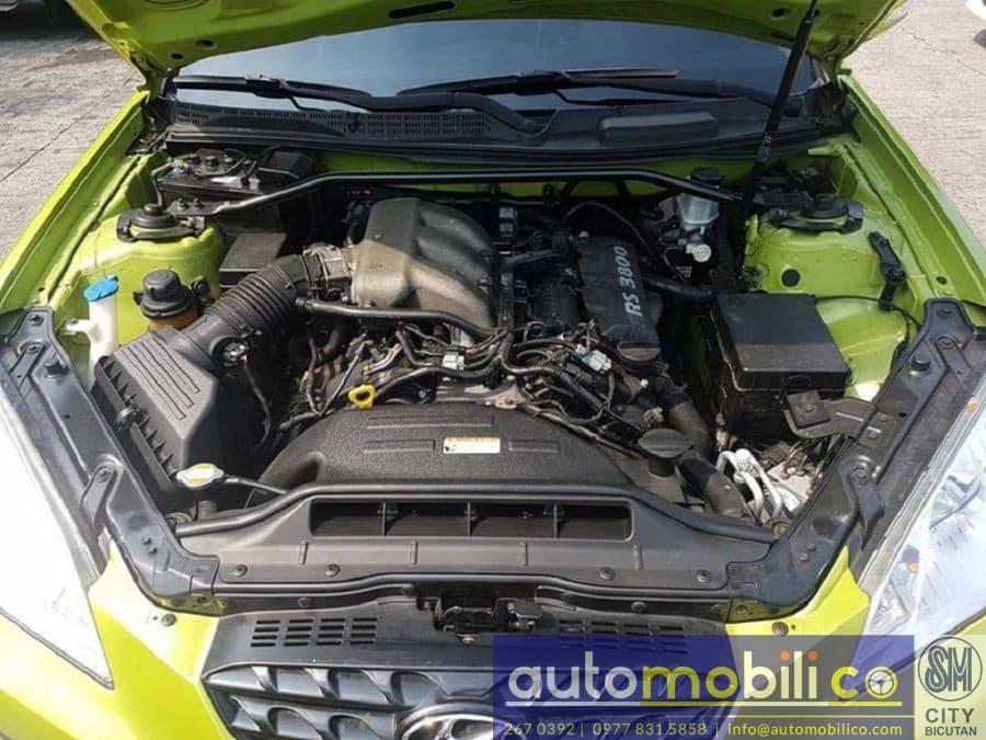 2009 Hyundai Genesis Coupe - Interior Rear View