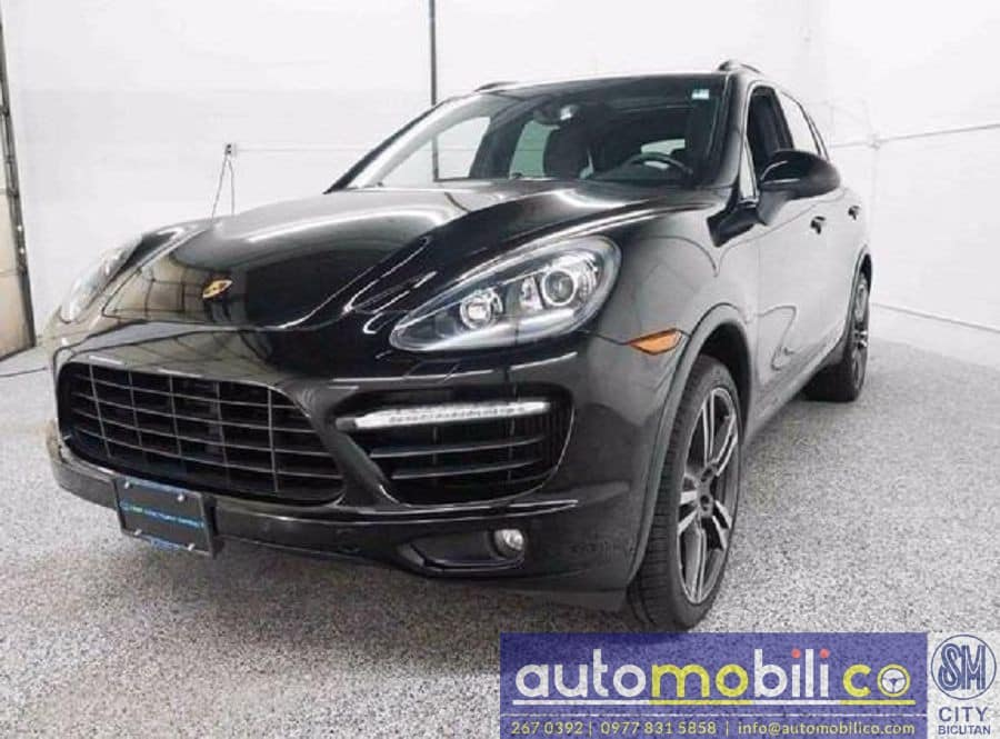 2012 Porsche Cayenne - Left View