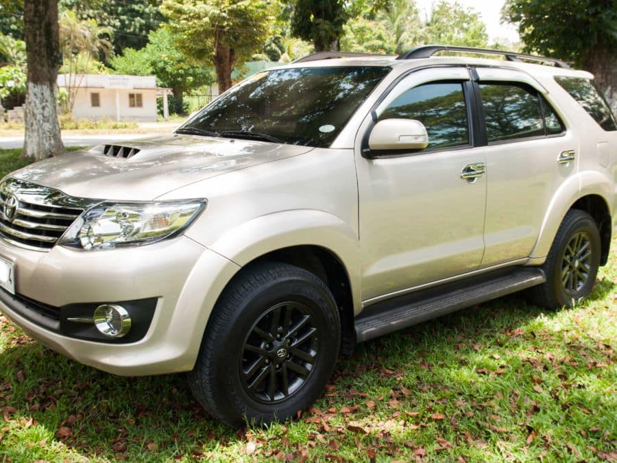 2015 Toyota Fortuner - Front View