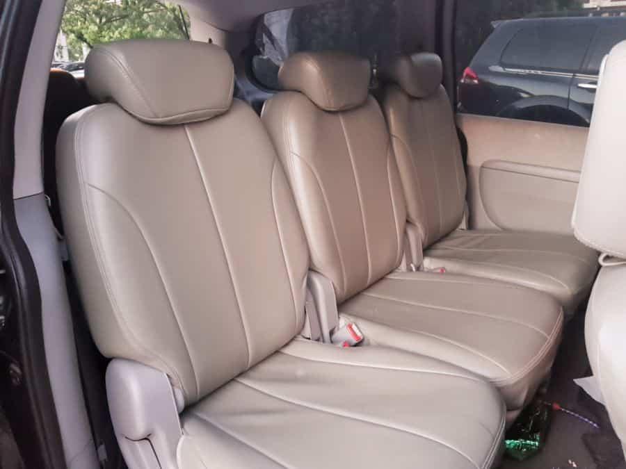 2008 Kia Carnival - Interior Rear View