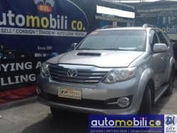 2016 Toyota Fortuner - Front View
