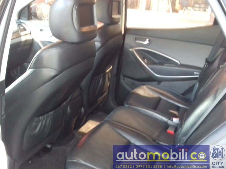 2013 Hyundai Santa Fe - Rear View