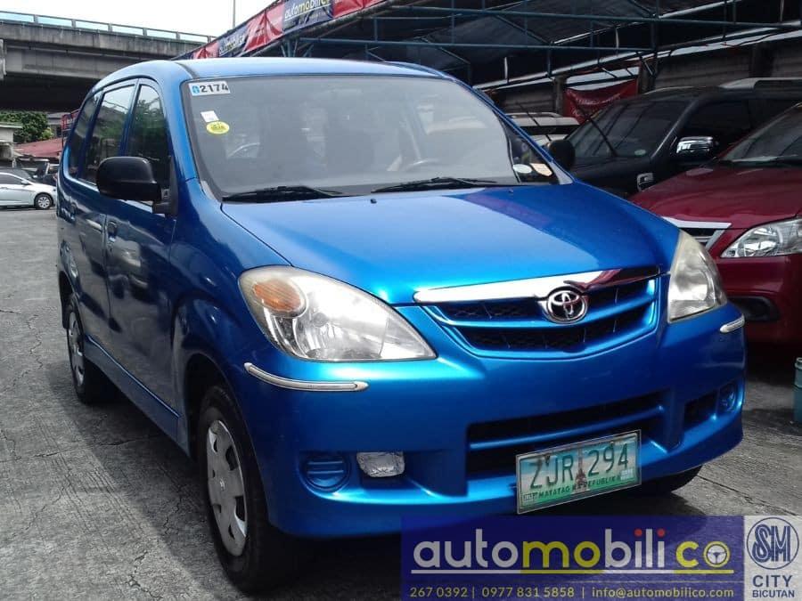 2007 Toyota Avanza - Right View