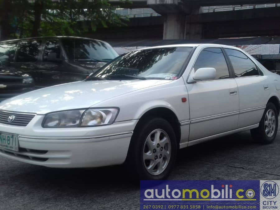 2000 Toyota Camry - Left View