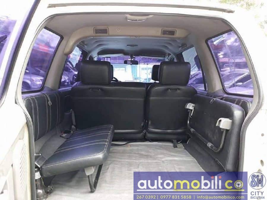 2002 Isuzu Crosswind - Interior Rear View