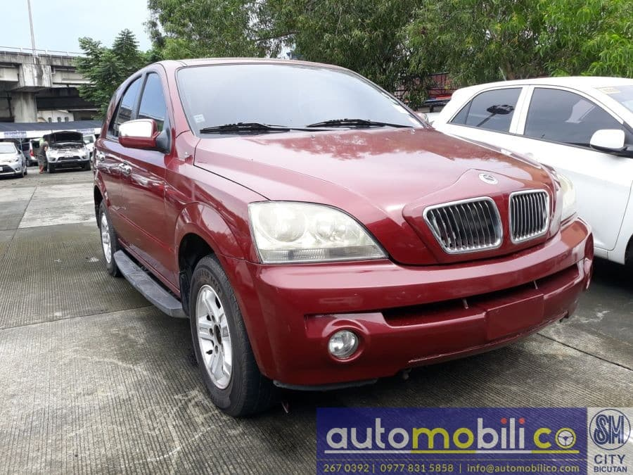 2005 Kia Sorento - Right View