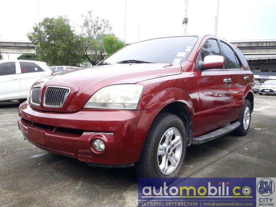 2005 Kia Sorento - Left View