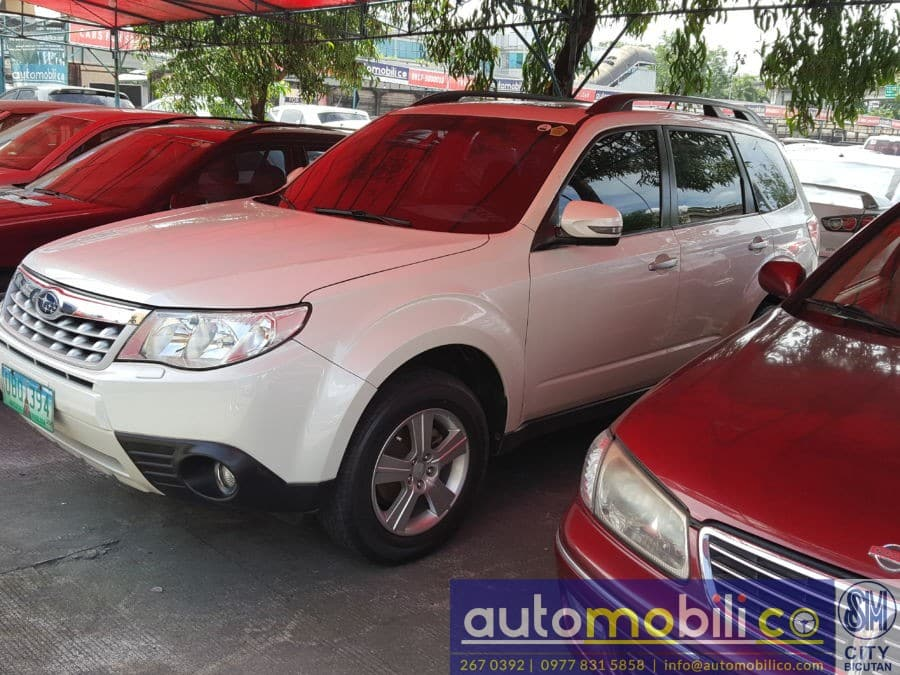 2013 Subaru Forester - Right View