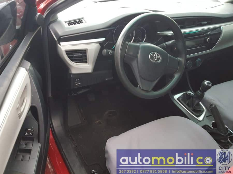 2014 Toyota Corolla Altis - Interior Front View