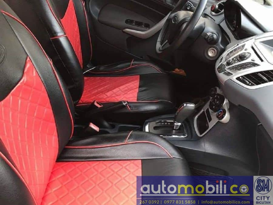2011 Ford Fiesta - Interior Front View