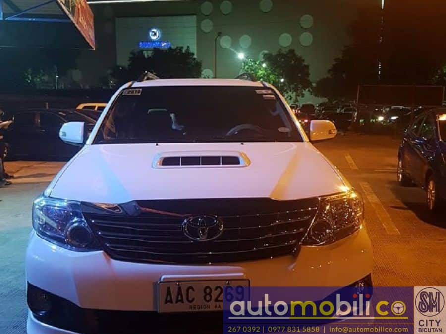 2014 Toyota Fortuner - Front View