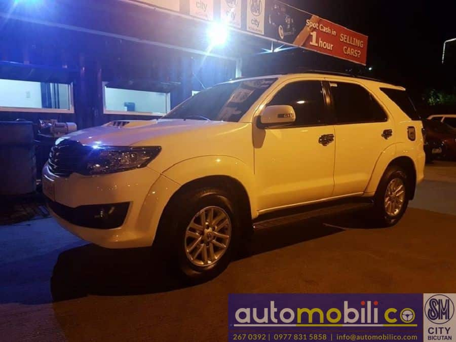 2014 Toyota Fortuner - Left View