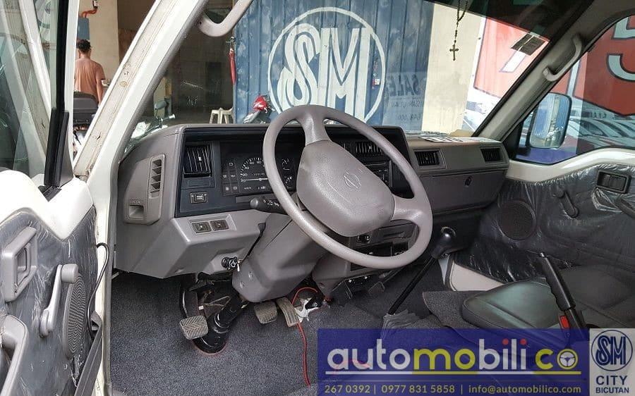2014 Nissan Urvan - Interior Front View