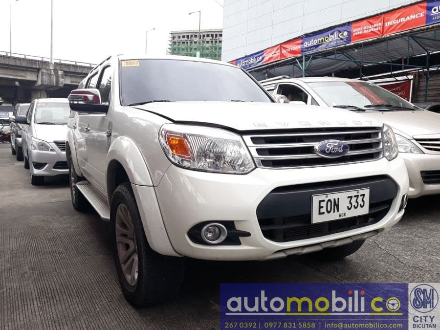 2014 Ford Everest - Right View