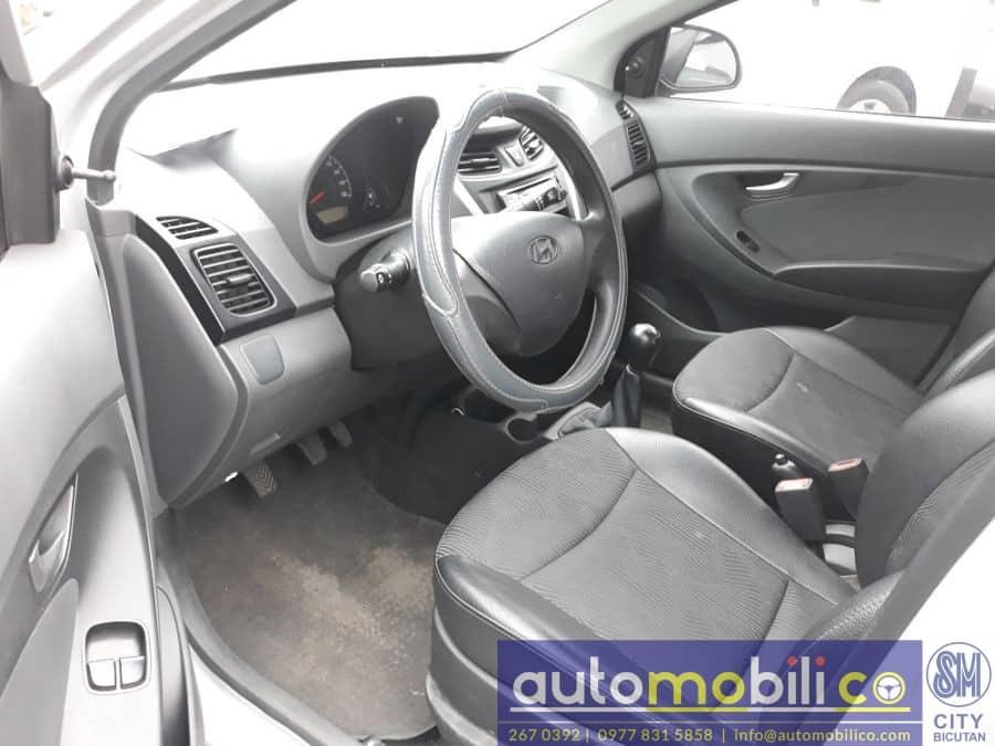 2016 Hyundai Eon - Right View