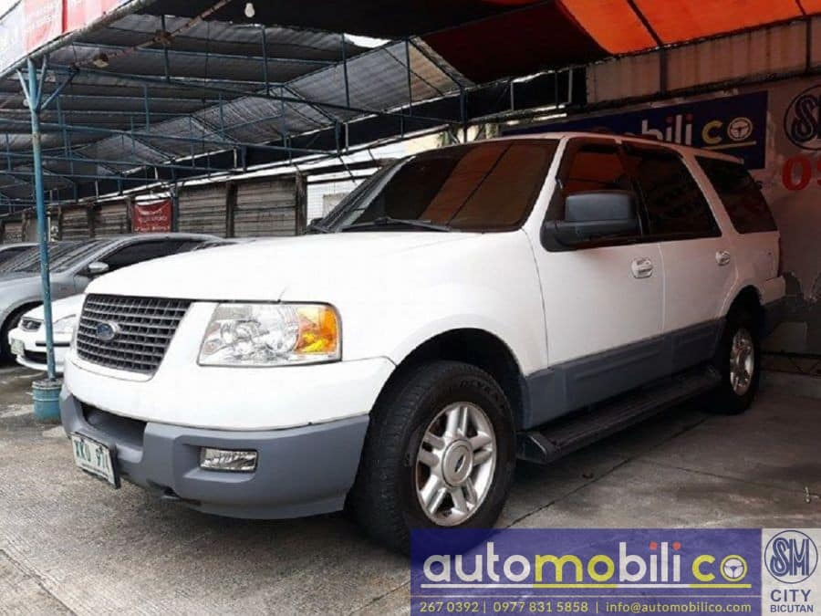 2003 Ford Expedition - Left View