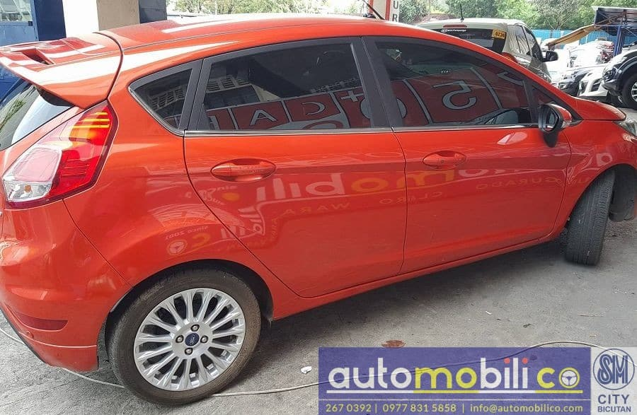 2015 Ford Fiesta - Left View