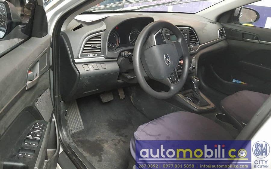2016 Hyundai Elantra - Interior Front View
