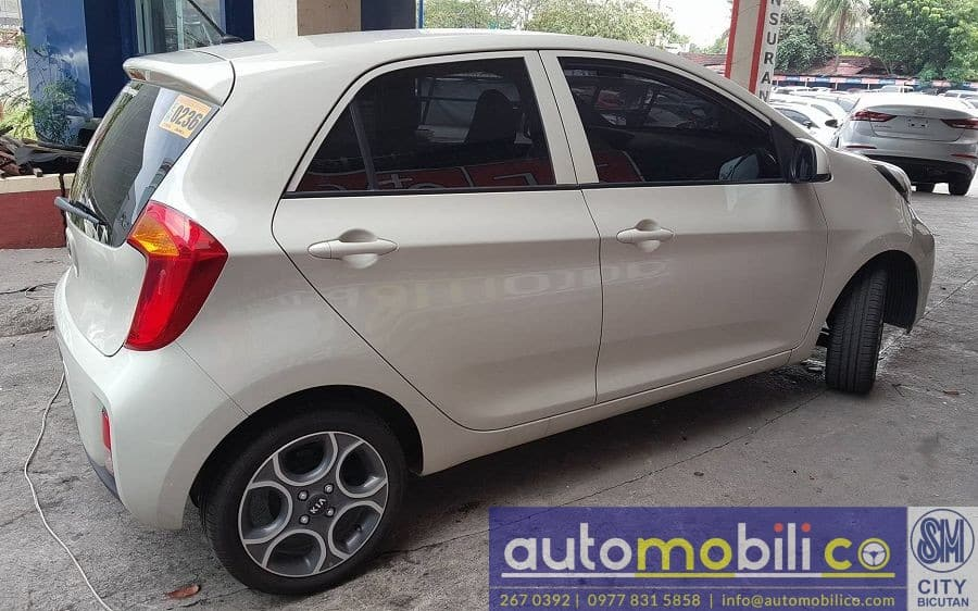 2017 Kia Picanto - Right View