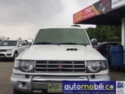 2000 Mitsubishi Pajero - Front View