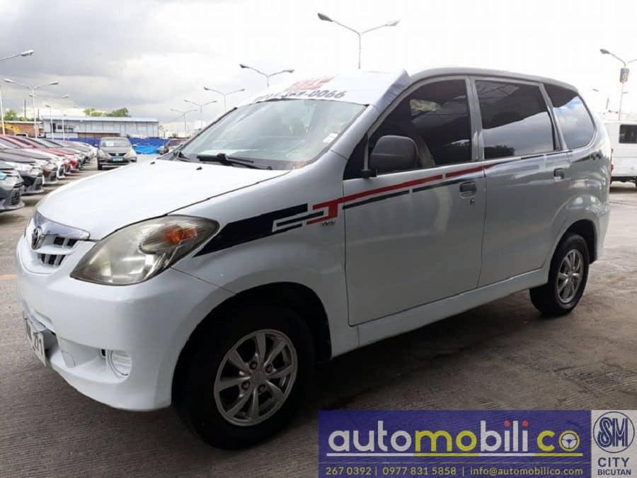 2010 Toyota Avanza - Left View