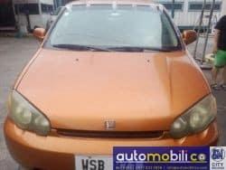 2001 Honda HR-V - Front View