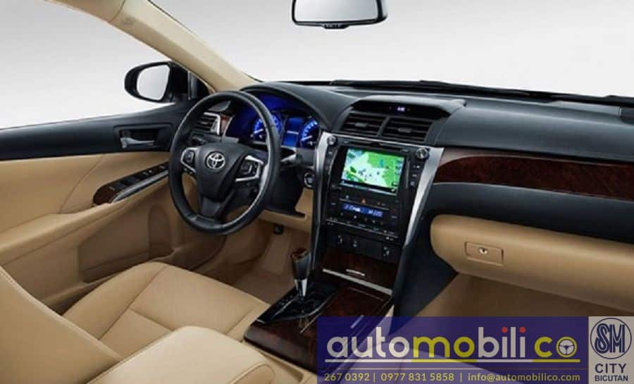 2018 Toyota Camry - Interior Front View