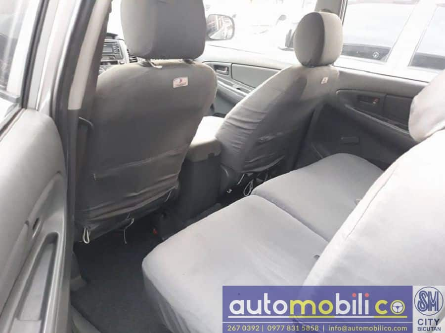 2015 Toyota Innova J - Interior Rear View