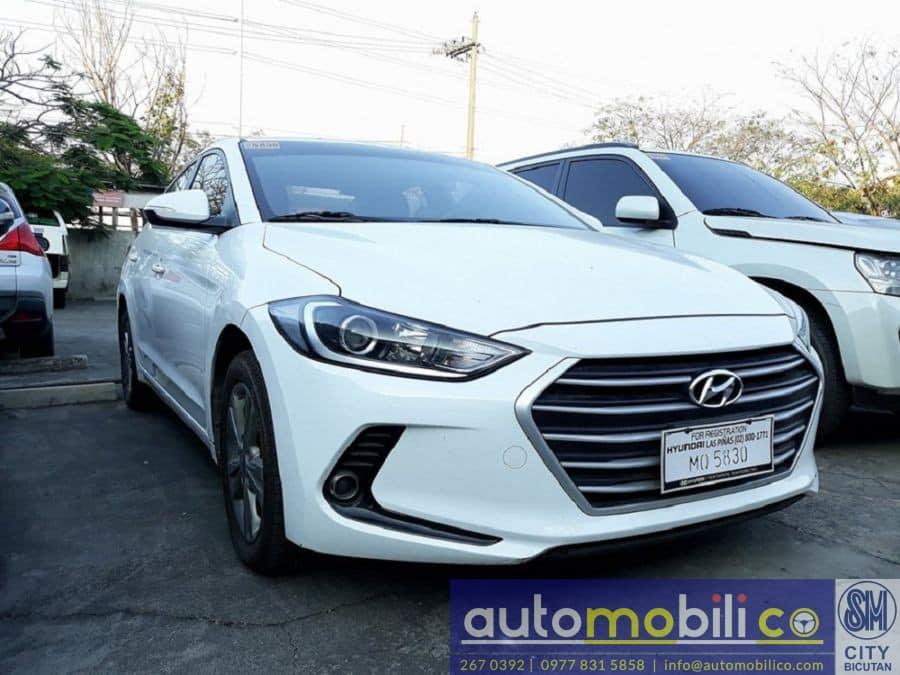 2016 Hyundai Elantra - Right View