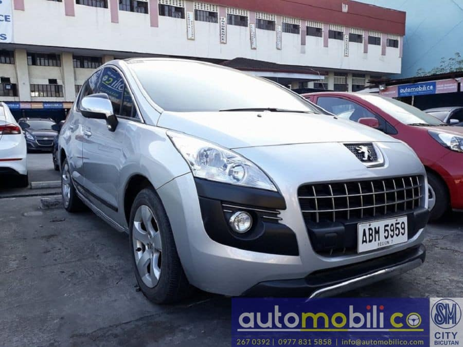 2014 Peugeot 3008 - Right View