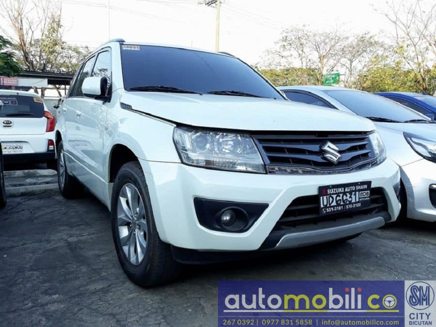 2016 Suzuki Grand Vitara - Right View