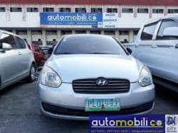 2010 Hyundai Accent - Front View