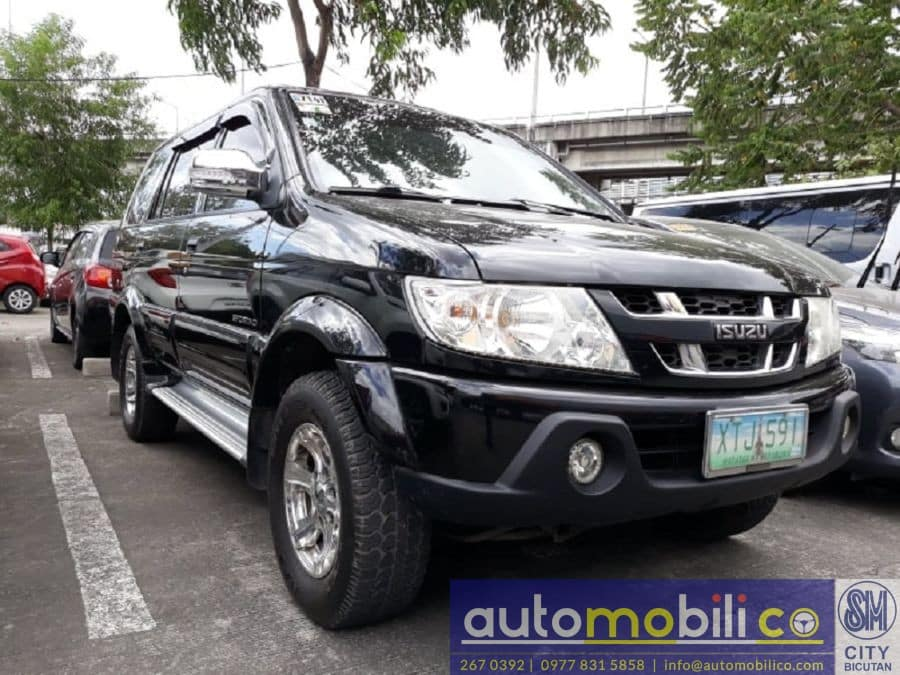 2005 Isuzu Sportivo - Right View