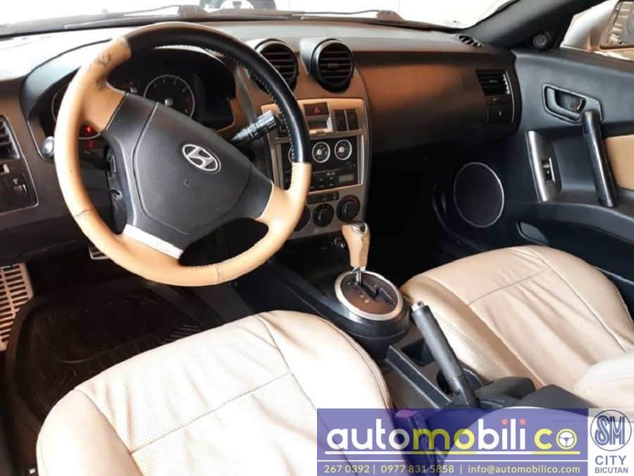 2005 Hyundai Coupe - Interior Rear View