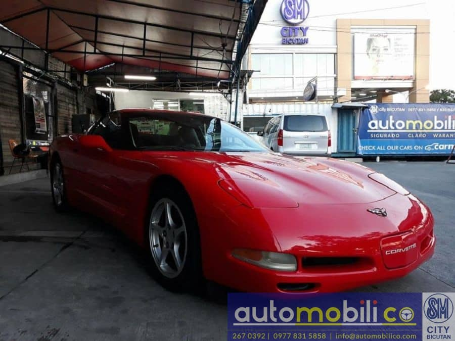 2000 Chevrolet Corvette - Right View
