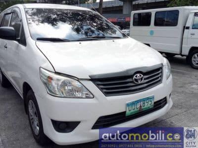 2013 Toyota Innova J - Front View