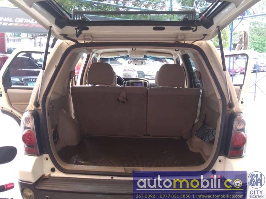 2008 Ford Escape - Interior Rear View