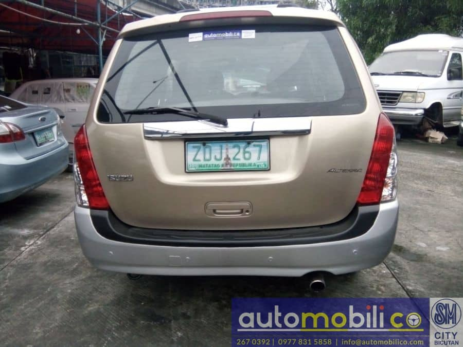 2005 Isuzu Alterra - Rear View