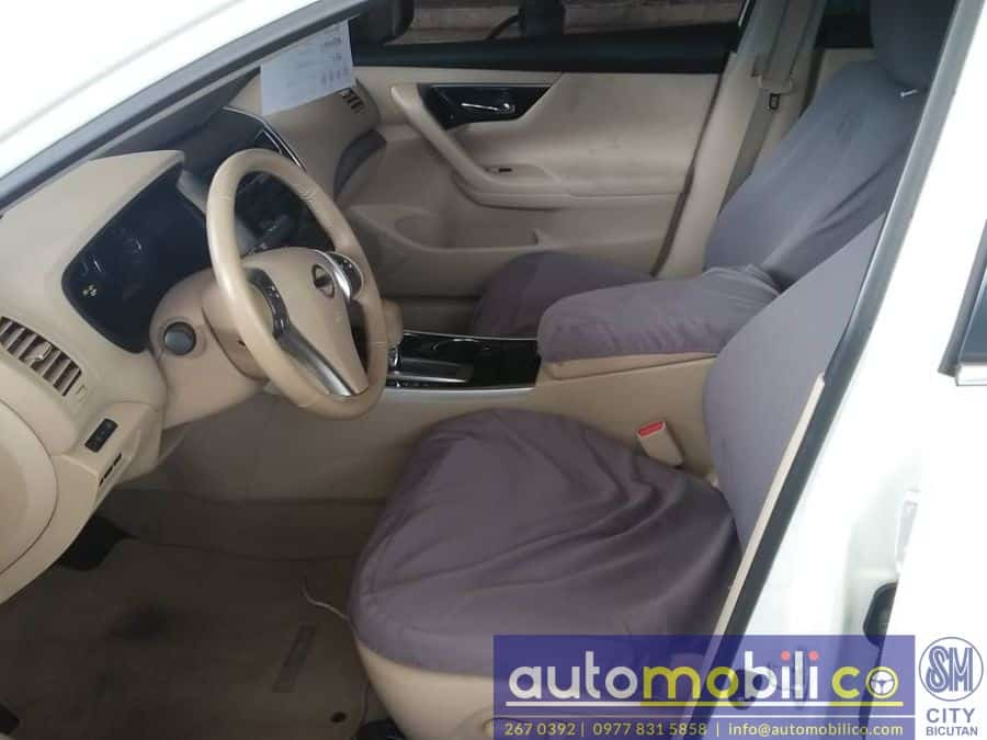 2015 Nissan Altima - Interior Front View