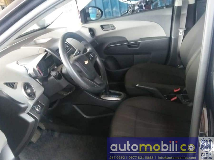 2014 Chevrolet Sonic - Interior Front View