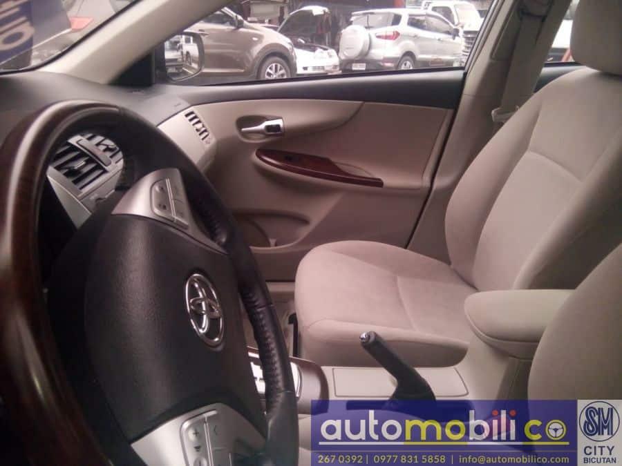 2013 Toyota Corolla Altis V - Interior Front View