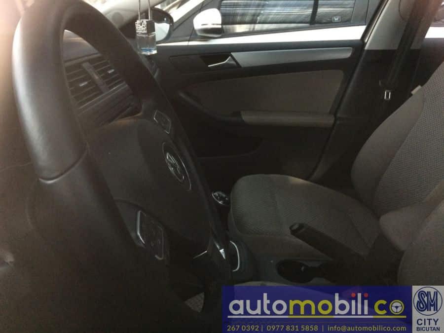 2014 Volkswagen Jetta - Interior Front View