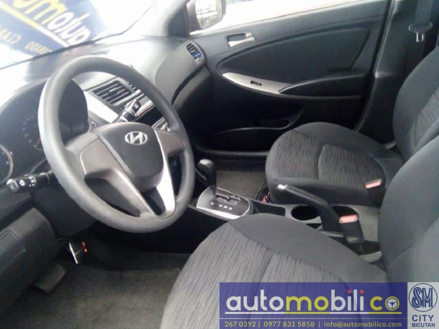 2016 Hyundai Accent - Interior Front View