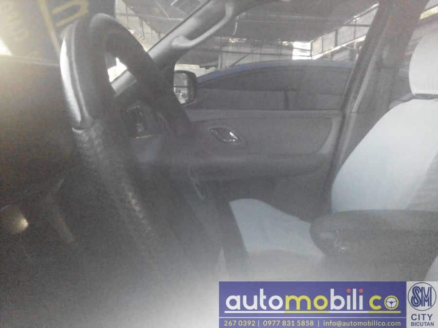 2003 Mazda Tribute - Interior Front View