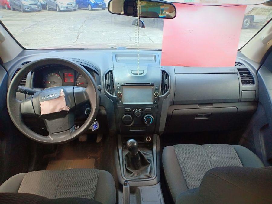 2015 Isuzu MU-X - Interior Front View