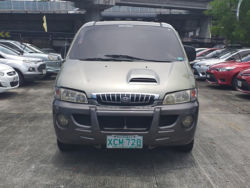2002 Hyundai Starex - Front View