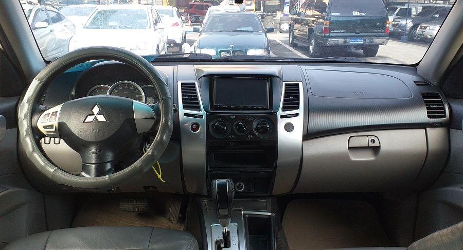 2009 Mitsubishi Montero - Interior Front View