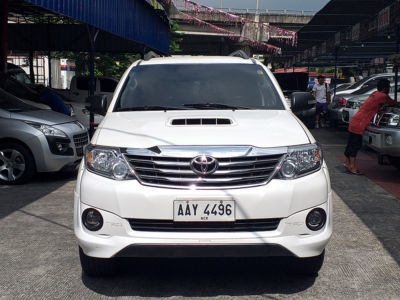 2014 Toyota Fortuner 4x2 - Front View